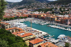 Sikt på hamnen av Nice i sydliga Frankrike Arkivbilder