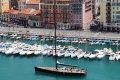 Sikt på hamnen av Nice, sydliga Frankrike Arkivfoton
