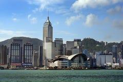 Sikt på Hong Kong från Victoria Harbor Royaltyfria Foton