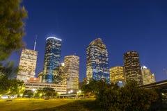 Sikt på i stadens centrum Houston vid natt Fotografering för Bildbyråer