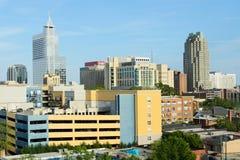 Sikt på i stadens centrum Raleigh, NC royaltyfria bilder