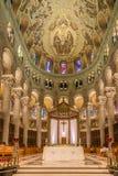 Sikt på kören av basilikan Sainte Anne de Beaupre i Kanada royaltyfria bilder