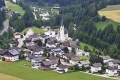 Sikt på Kals f.m. Grossglockner i Österrike Arkivfoton