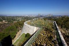 Sikt på Los Angeles över kaktusträdgården Arkivbild