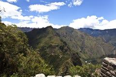Sikt på Machu Picchu från Huaynaen Picchu i Peru - Sydamerika Fotografering för Bildbyråer