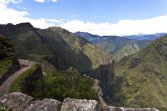 Sikt på Machu Picchu från Huaynaen Picchu i Peru - Sydamerika Arkivbild