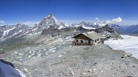 Sikt på Matterhorn från testaen Grigia Arkivfoto