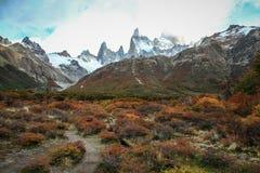 Sikt på monteringen Fitzroy, sydligt Patagonian isfält, Argentina Arkivbild