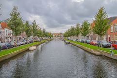 Sikt på Nieuwstad och Oudegracht på Weesp Nederländerna 2017 arkivfoto