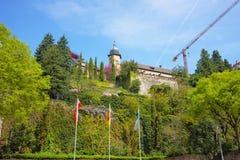 Sikt på ny slott och dess terrass i Baden-Baden Arkivbild
