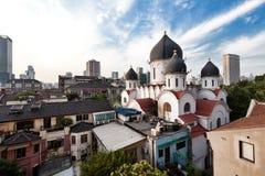 Sikt på ortodox kristenkyrka i porslin Royaltyfri Fotografi