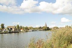 Sikt på Oudekerk aan de Amstel Nederländerna Arkivbild