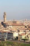Sikt på Palazzoen Vecchio i Florence, Italien Royaltyfri Bild