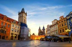 Sikt på Prague chimes royaltyfri fotografi