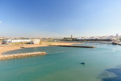 Sikt på Sale från den Kasbah fästningen i Rabat, Marocko Royaltyfri Foto