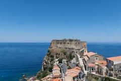Sikt på Scilla, Calabria, Italien Arkivfoton