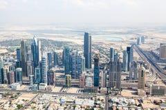 Sikt på Sheikh Zayed Road skyskrapor i Dubai Arkivfoto