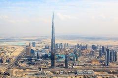 Sikt på Sheikh Zayed Road skyskrapor i Dubai Fotografering för Bildbyråer