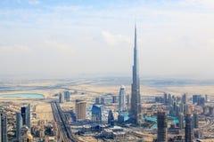 Sikt på Sheikh Zayed Road skyskrapor i Dubai Arkivbilder