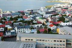 Sikt på staden Reykjavik. Royaltyfri Foto