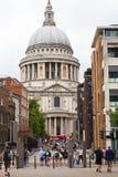 Sikt på 18th århundradeSt Paul Cathedral, London, Förenade kungariket Arkivfoto