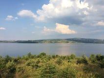 Sikt på Vlasina sjön i sommar fotografering för bildbyråer