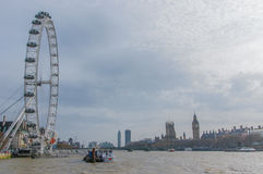 Sikt på det London ögat, hus av parlamentet, Big Ben och Thames River, London, Förenade kungariket Royaltyfria Bilder