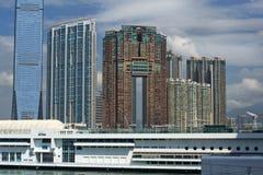 Sikt på Hong Kong från Victoria Harbor Arkivbilder