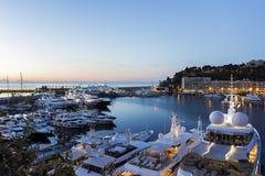 Sikt på Monte - carlo i Monaco i aftonen Arkivfoto