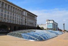 Sikt på självständighetfyrkant i Sofia Royaltyfria Bilder