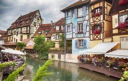 Sikt på vattenkanalen i Colmar, Frankrike, august 2014 Fotografering för Bildbyråer