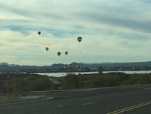 Sikt panorama- härlig spektakulär sikt, ballongritt, åtskilliga ballonger för varm luft Royaltyfri Bild