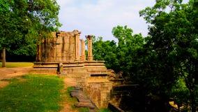 Sikt till citadellen av Yapahuwa, gammal huvudstad av Sri Lanka Arkivfoto
