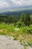 Sikt till dalen, höga Tatra, Slovakien Royaltyfria Bilder