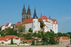 Sikt till den Albrechtsburg slotten och den Meissen domkyrkan i Meissen, Tyskland Royaltyfri Fotografi