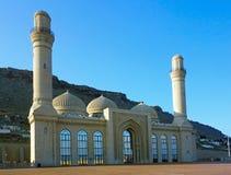 Sikt till den Bibi Heybat moskén, Baku, Azerbajdzjan fotografering för bildbyråer