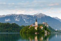 Sikt till den blödde sjön, Slovenien Fotografering för Bildbyråer