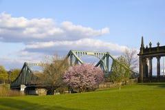 Sikt till den Glienicke bron, Potsdam Fotografering för Bildbyråer