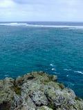 Sikt till den klara Indiska oceanen från La Morne Royaltyfri Fotografi