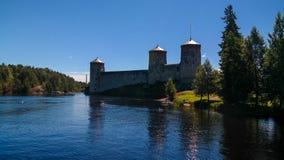 Sikt till den Olavinlinna slotten, Savonlinna, Finland Royaltyfria Bilder