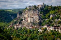 Sikt till den Rocamadour byn i lotten, Frankrike royaltyfri bild