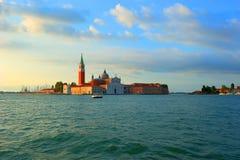 Sikt till den San Giorgio Maggiore ön i Venedig fotografering för bildbyråer