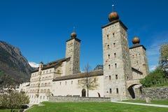 Sikt till den Stockalper slottbyggnaden i fängelset (Fängelse-Glisen), Schweiz fotografering för bildbyråer