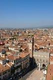 Sikt till den Verona staden från hög poäng Royaltyfri Bild