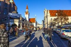 Sikt till det gamla stadshuset i Munich Fotografering för Bildbyråer