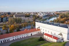 Sikt till det nationella museet och floden Neris Royaltyfria Foton