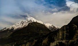 Sikt till det Rakaposhi maximumet, Karakorum berg Pakistan Royaltyfri Foto