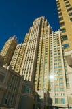 Sikt till en av de mest högväxta moderna bostads- byggnaderna i Astana, Kasakhstan Fotografering för Bildbyråer