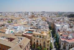 Sikt till gatan och byggnaderna av Seville, Spanien Royaltyfria Bilder