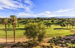 Sikt till golfklubben i Palm Springs, Kalifornien Royaltyfri Foto
